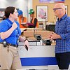 Fotografie z epizody Grand Re-Opening