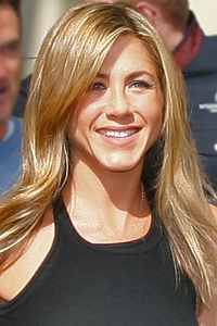 Jennifer Aniston, která chodí